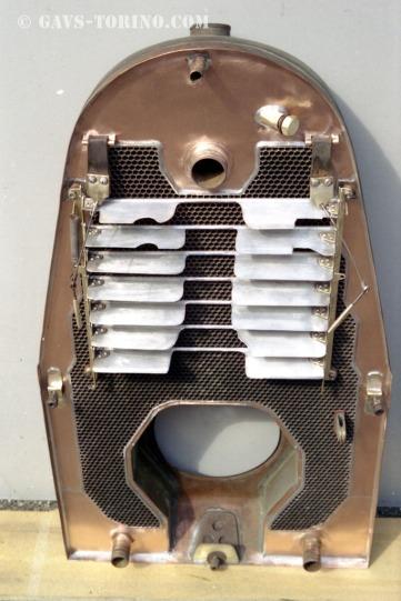 148-radiatore restaurato visto da dietro